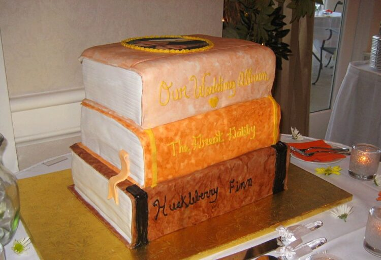 The Book Stack Cake by Cometstarmoon
